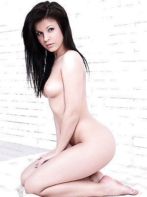 Watch4Beauty  Tyna  Softcore, Erotic, Casting
