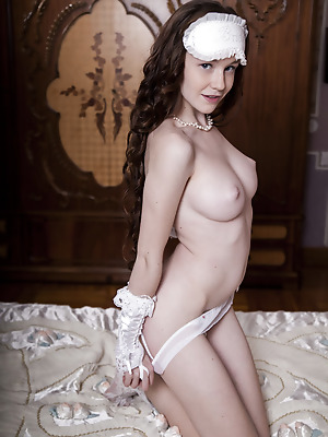 SexArt  Emily Bloom  Softcore, Erotic