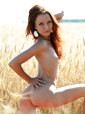 avErotica  Kesy  Amateur, Red Heads, Petite, Erotic, Teens, Natural, Solo